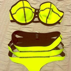 Indah bikini set NEW Med top small bottom